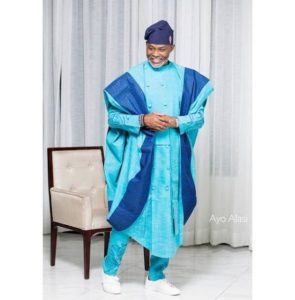 how to wear agbada with sneakers