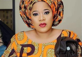 Toyin Abraham Wows In Ankara Outfit And Gele