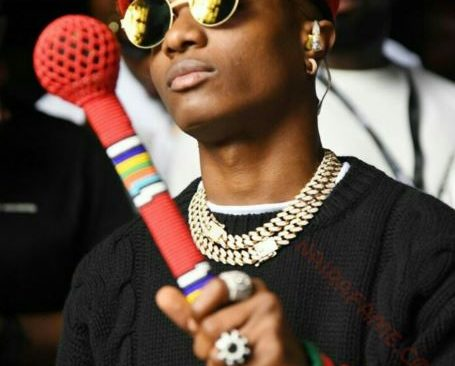 Wizkid's Unique Outfit to the Global Citizen Festival in South Africa.