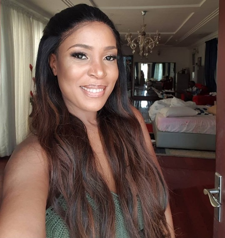 linda ikeji selfie photo